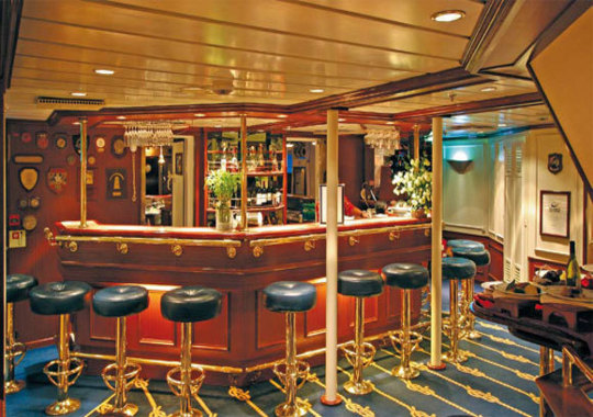 Royal Clipper Bar