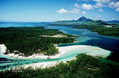 Mauritius expects 1m tourists in 2014